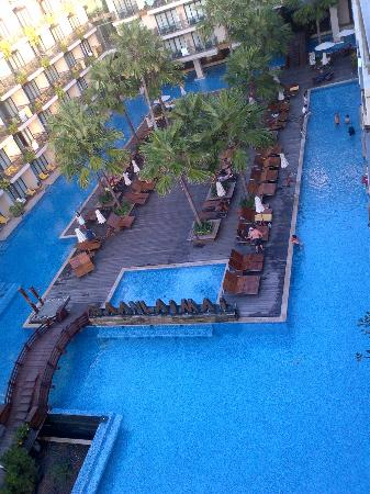 Baan Laimai Beach Resort: the large swimming pool along with a baby pool