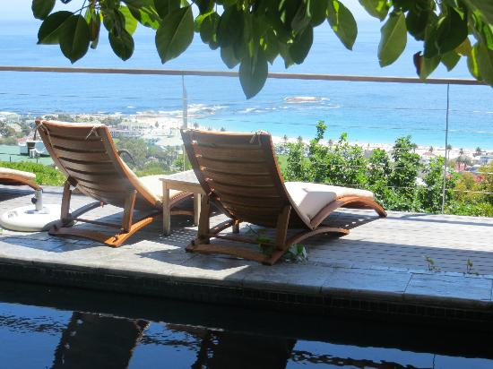 Boutique @ 10: Wonderful poolside loungers ...