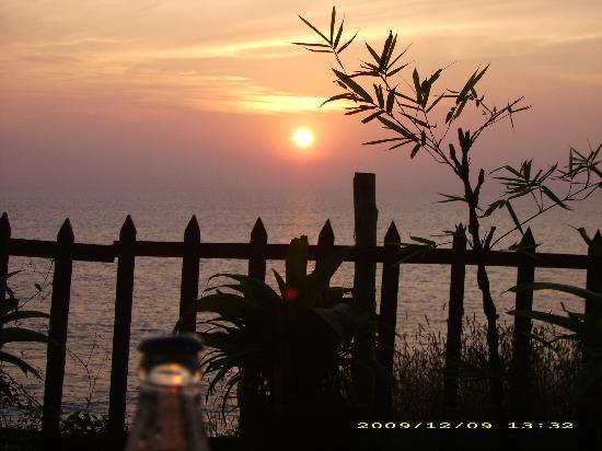 Sunshine Cafe/Sea Food Restaurant: sunset vom Tisch aus :-)