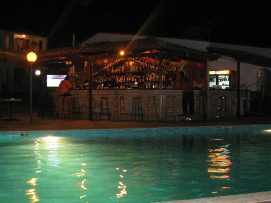 Hotel Navarone: 3