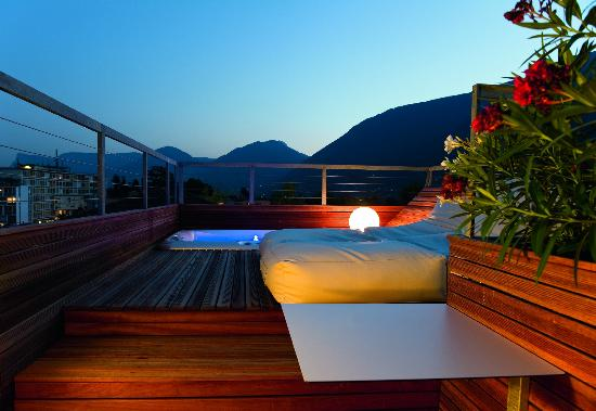 Boutique & Design Hotel ImperialArt: Jacuzzi on roof top terrace of Paradise Loft