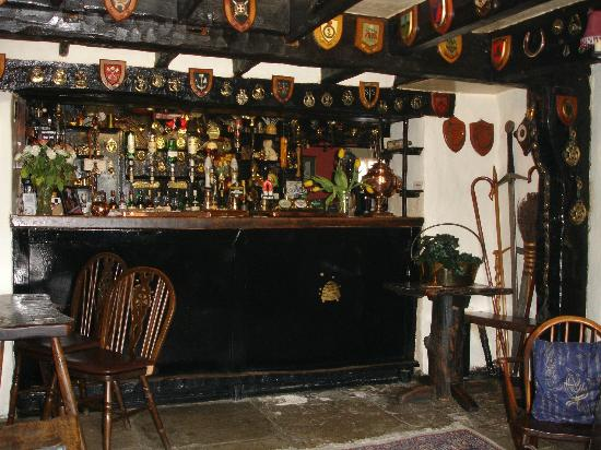 Ye Olde Beehive Inne: Classic old style Bar