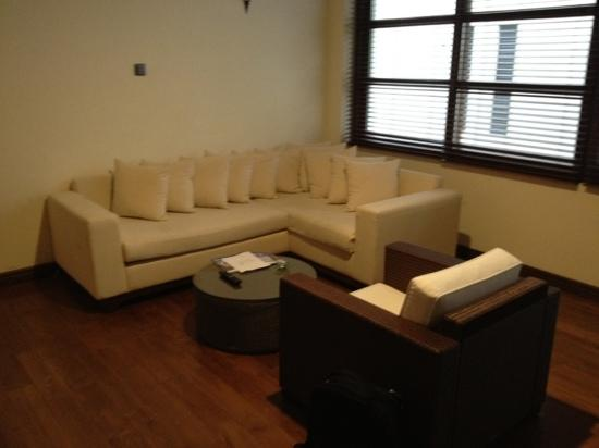 Colombo Courtyard : sofa in the room