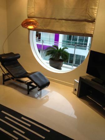 โรงแรมบีวายดี ลอฟท์ บูทีค แอนด์ เซอวิสอพาร์ตเมนท์: Grand delux living room