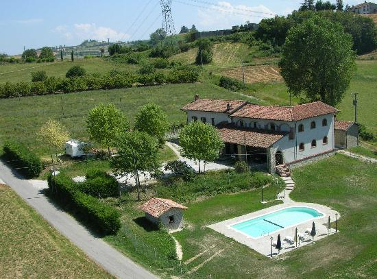 Belvedere Langhe, Italy: getlstd_property_photo