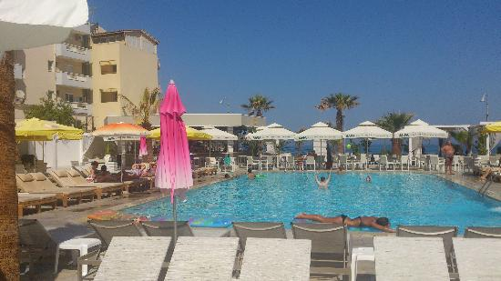 Mareva Apartments: one of the pools anyone can use