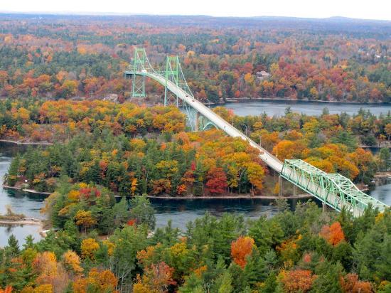 1000 Islands Tower: vue sur 1000 Islands-Bridge