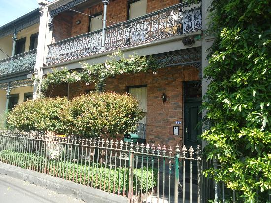 169 Drummond Street: the guest house