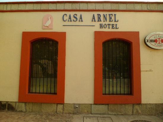 Hotel Casa Arnel : façade