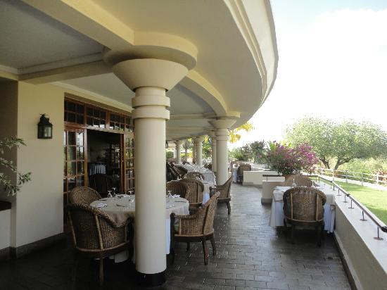 Ilala Lodge Hotel: la zona esterna del ristorante