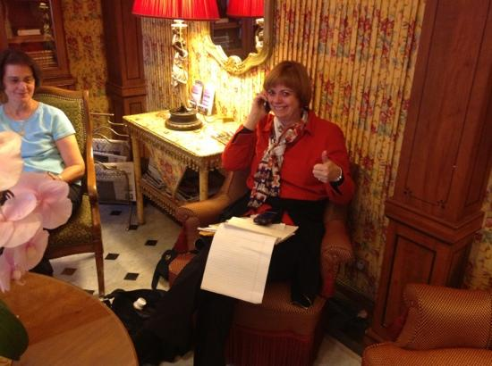 Hotel Duc de Saint Simon: Vivian in the parlor working on airline plans.