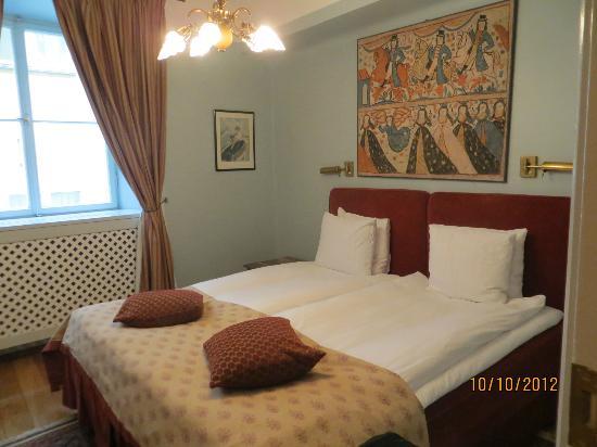 Victory Hotel: Dormitorio