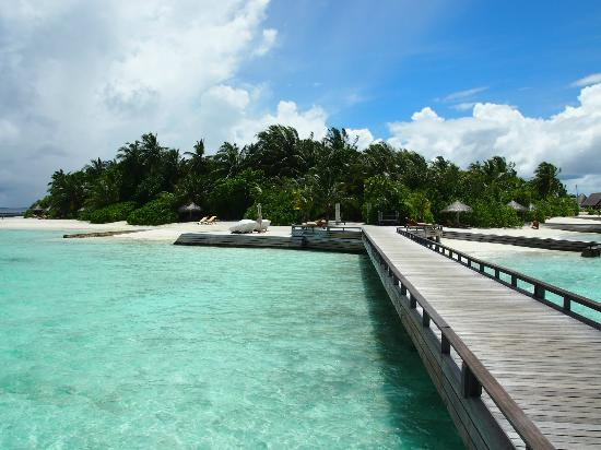 Baros Maldives: ウォーターヴィラから他の施設へ行く時はココを通ります