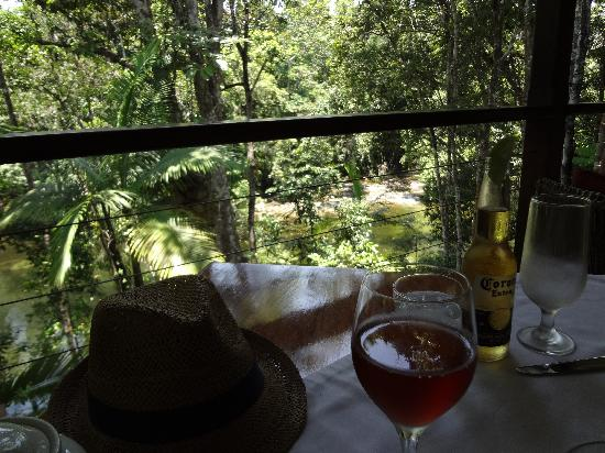 Treehouse Restaurant: Perfect setting, great food