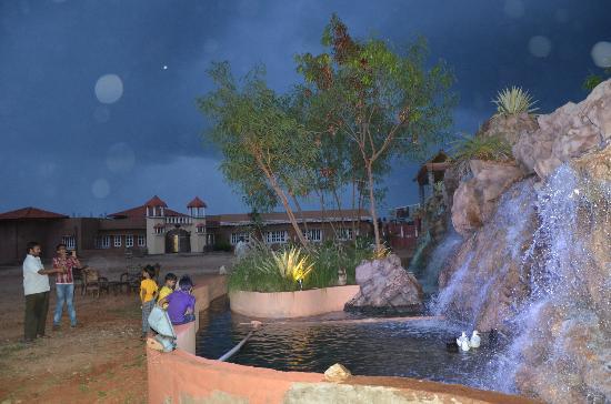 Vijayshree Theme Village: Mountains & Fountains