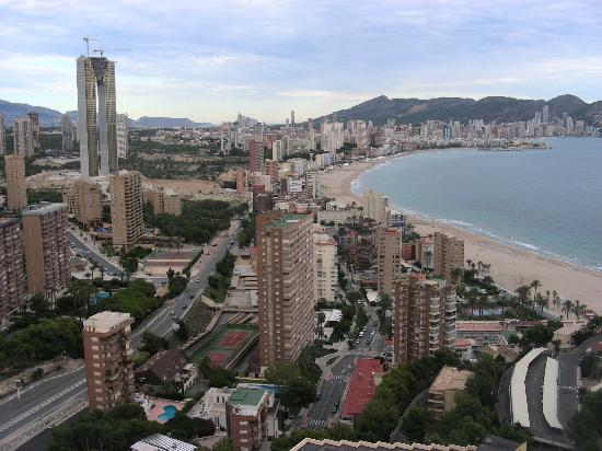 Gran Hotel Bali: Benidorm from level 27.