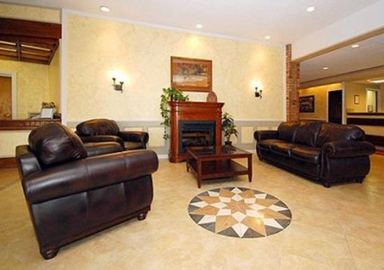 FairBridge Inn, Suites and Conference Center: Hotel Lobby