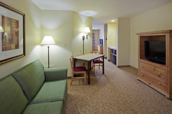 Country Inn & Suites By Carlson, Germantown: CountryInn&Suites Germantown Suite