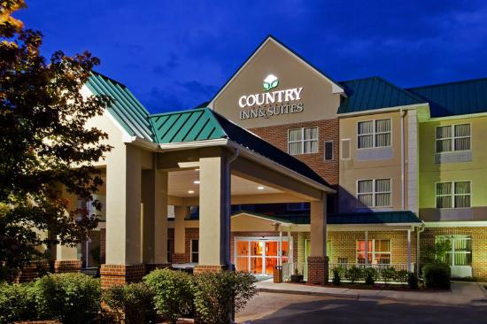 Country Inn & Suites By Carlson, Camp Springs (Andrews Air Force Base): CountryInn&Suites CampSprings ExteriorNight