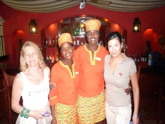 Chobe Game Lodge: le ragazze del bar