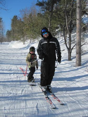 Carriage Ridge Resort: Son and Grandson Cross-country skiing