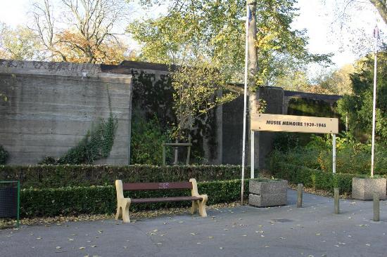 Musée de la Guerre (Musée de la Seconde Guerre mondiale) : Museum entrance