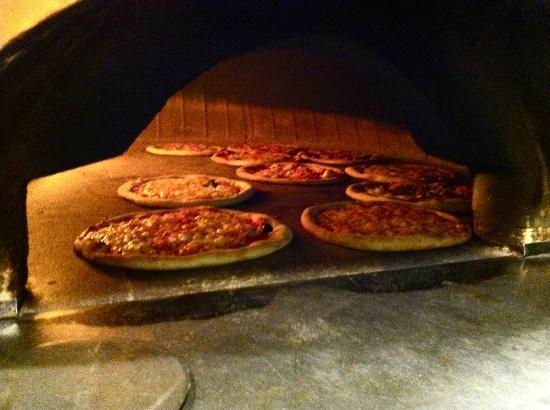 Primo Gusto Milano : forno a legna