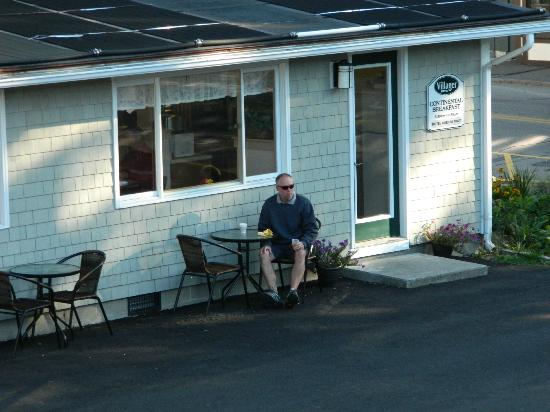 Bar Harbor Villager Motel: Little Breakfast House