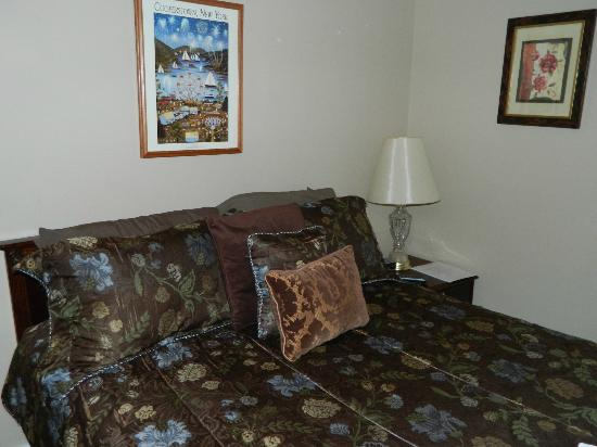 Tunnicliff Inn: Guest Room