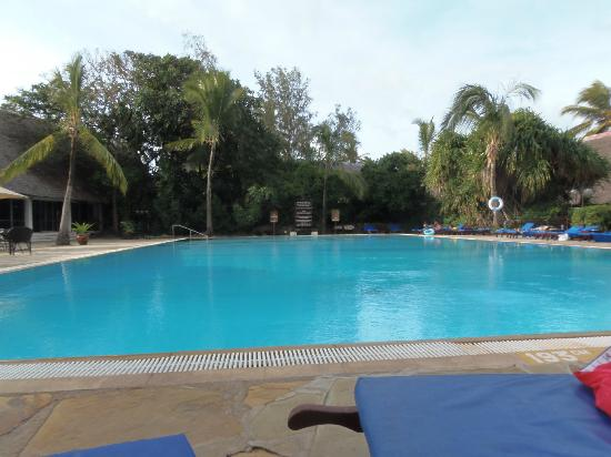 Voyager Beach Resort: pool