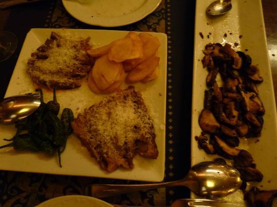 Alcaravea : Secreto Iberico w/Parmesan w/Potatoes & Peppers, and a half eaten Mushroom Medley