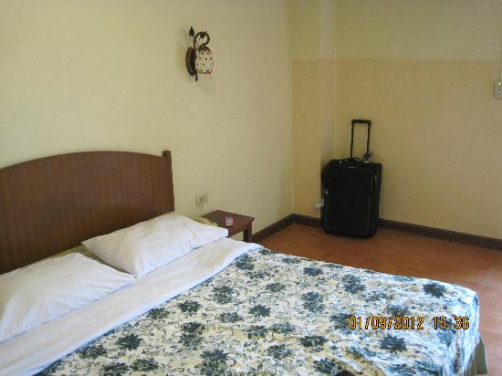 Opey de Place Hotel: Bett