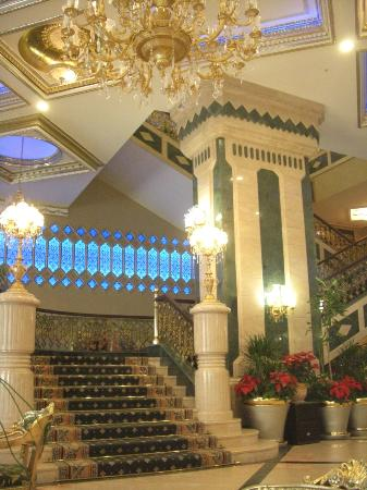 Club Hotel Sera: Staircase