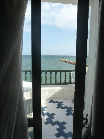 Les Maisons De La Mer: View from my bed!