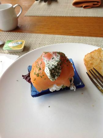 Le Meridien Cyberport: Salmon on a poached egg.....