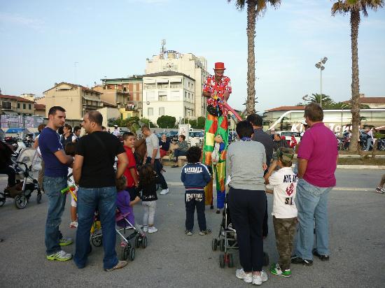 Hotel President: making balloon animals on the promenade