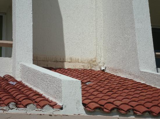 Solymar Beach & Resort: leaky roof
