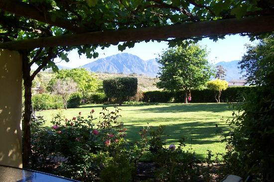 Villa Tarentaal : View from Blue Crane Cottage