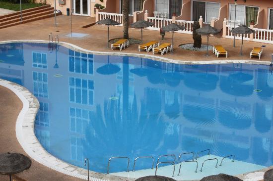 Bahia Tropical Hotel: la piscine