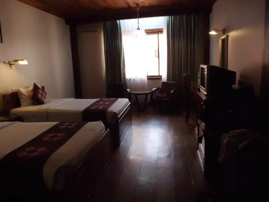 Ta Prohm Hotel: spacious room