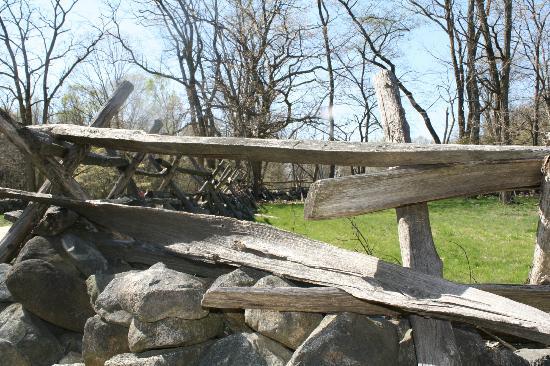 Battle Road Trail: fence yard on Battle rd.