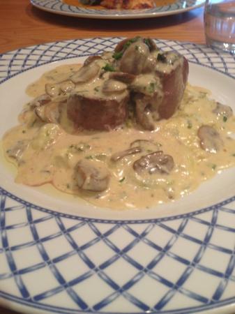 SA3 Bistro: Fillet Steak with Wild Mushrooms