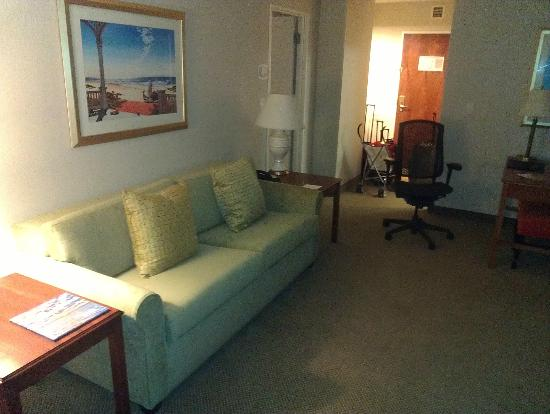 Embassy Suites by Hilton Tampa - Airport/Westshore: living area (sleeper sofa)