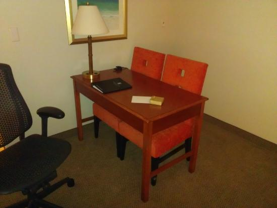 Embassy Suites by Hilton Tampa - Airport/Westshore: work area