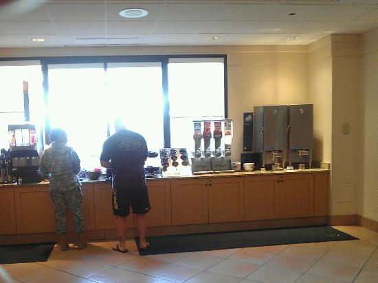 Embassy Suites by Hilton Tampa - Airport/Westshore: breakfast area