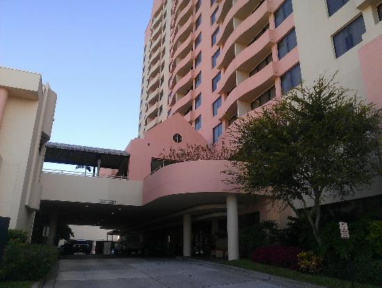 Embassy Suites by Hilton Tampa - Airport/Westshore: outside