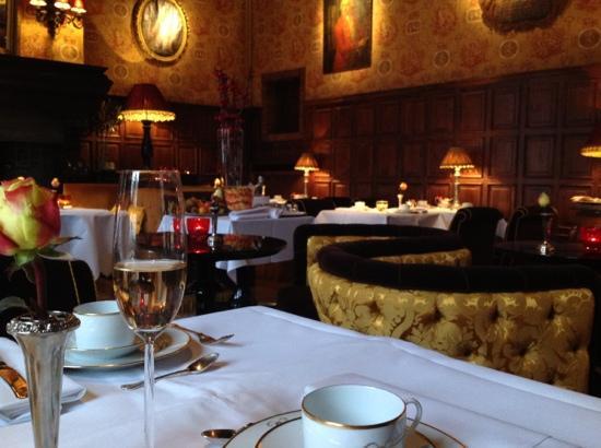 Hotel de Orangerie: breakfast!