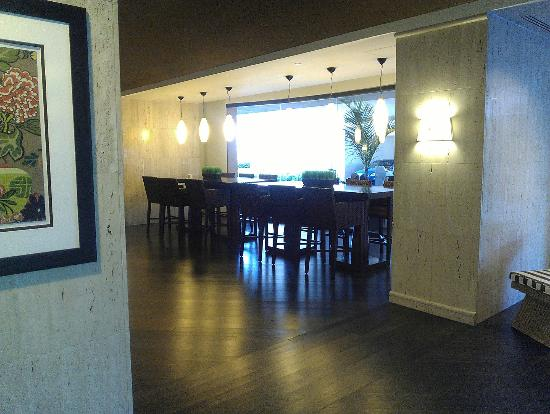 Embassy Suites by Hilton Tampa - Airport/Westshore: lobby sitting area