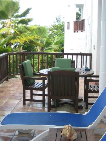 Windjammer Landing Villa Beach Resort: Room patio