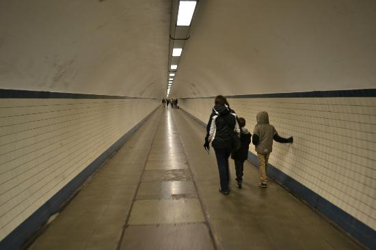 ‪St. Anna's Tunnel / Pedestrians' Tunnel‬